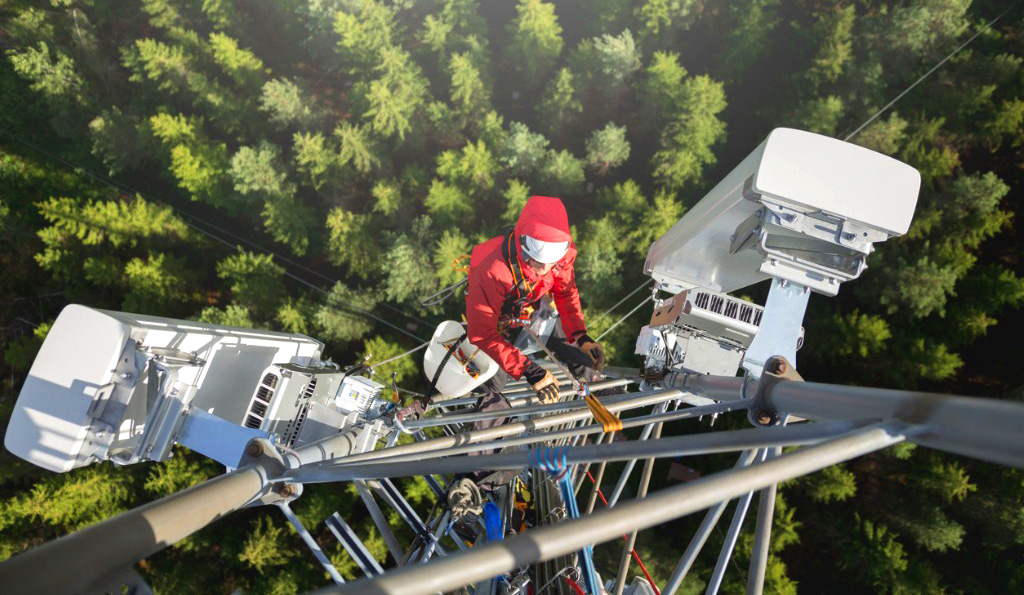 Equipment at isolated sites is difficult to monitor. Our IoT solutions help